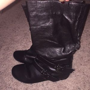 Women's cute leather boots in size 7